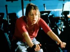 20多岁的女性需要在健身房做什么,从硬拉到引体向上