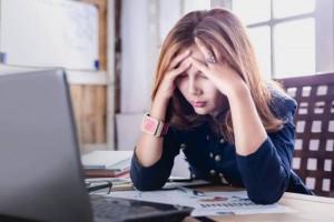 为何看到每月账单时感到焦虑是账单自身的错其实是它在作怪