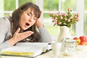 午后犯困怎么办这5个提神方法比咖啡更管用