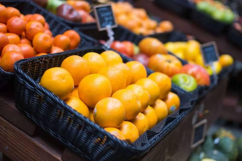 晚上熬夜吃什么水果好多吃营养丰富的水果